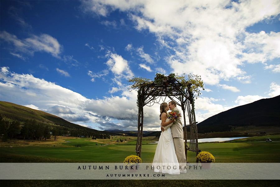 september fall autumn keystone ranch rustic colorado mountain wedding