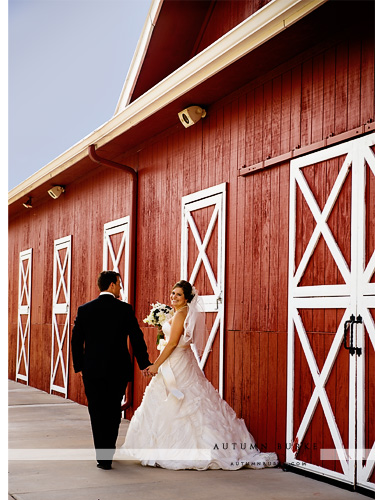 colorado wedding rustic elegant barn bride and groom larkspur crooked willow