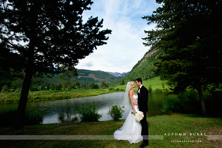 vail mountain wedding ceremony colorado four seasons island green vail golf course