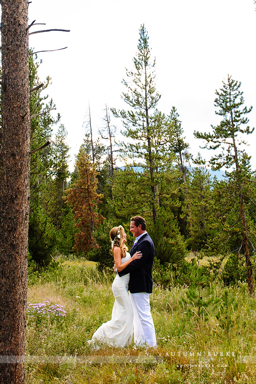 wild horse inn colorado mountain wedding bride and groom first look
