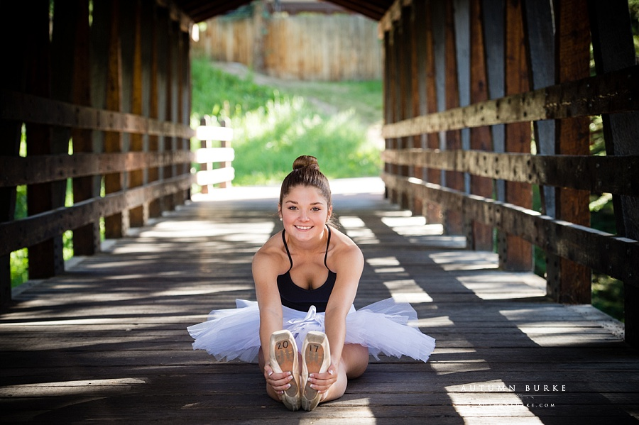 colorado ballerina high school senior portrait pointe shoes