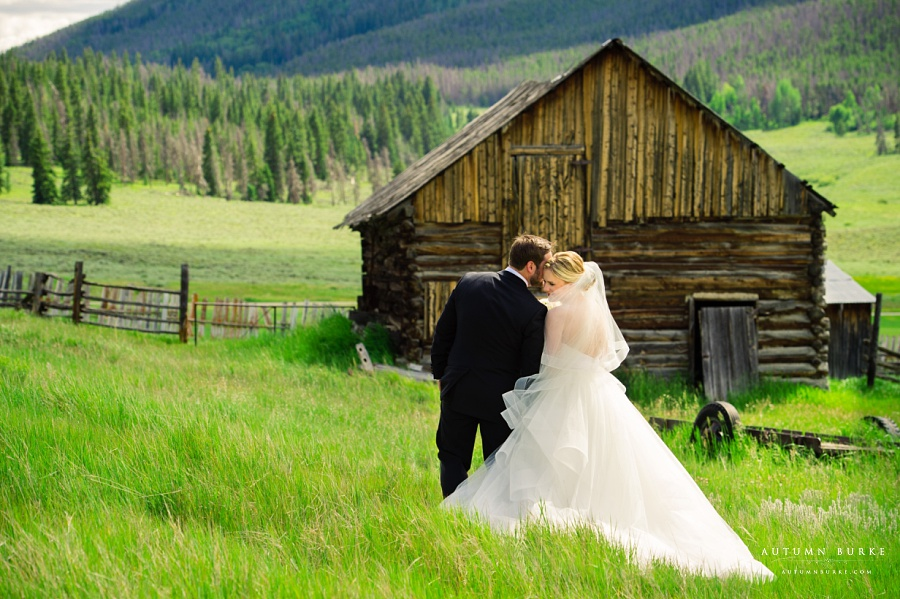 colorado wedding keystone ranch first look bride and groom