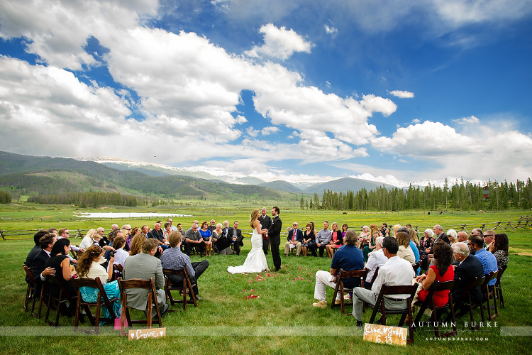Devils Thumb Ranch Colorado Outdoor Wedding Ceremony In The Round